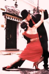 tango_dancing_couple