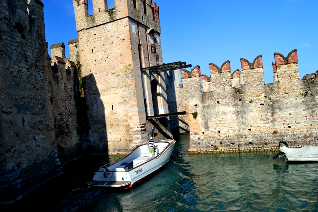 www.tripelonia.com - Sirmione_LakeGarda_April 2016 (22)