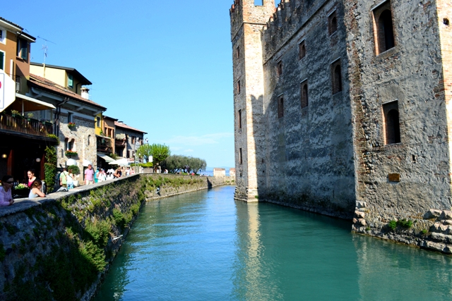 www.tripelonia.com - Sirmione_LakeGarda_April 2016 (25)