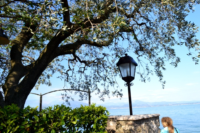 www.tripelonia.com - Sirmione_LakeGarda_April 2016 (32)