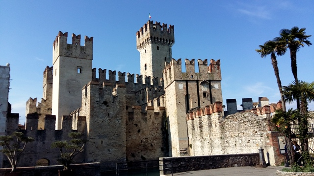 www.tripelonia.com - Sirmione_LakeGarda_April 2016 (4)