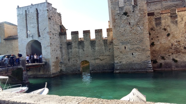 www.tripelonia.com - Sirmione_LakeGarda_April 2016 (8)
