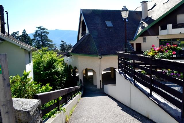 www-tripelonia-com-talloires-village-4