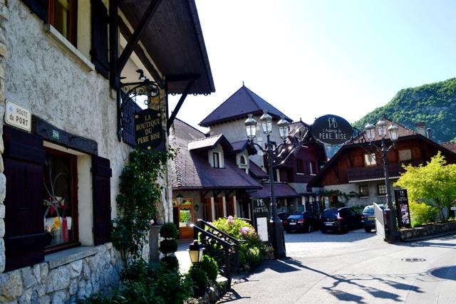 www-tripelonia-com-talloires-village-7