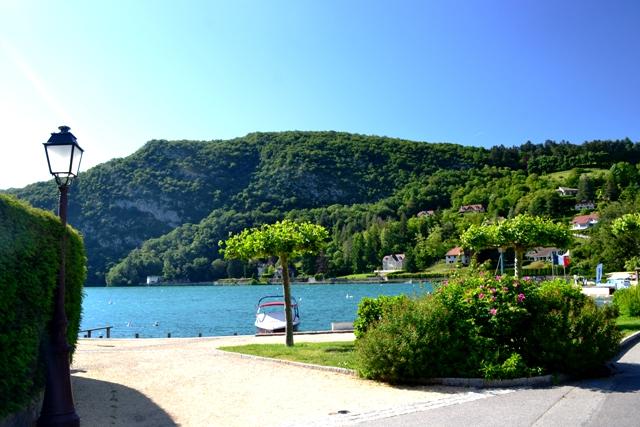 www-tripelonia-com-talloires-village-8