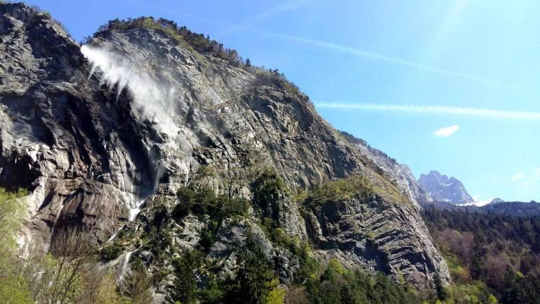 www.tripelonia.com - Arpenaz Waterfall (1)