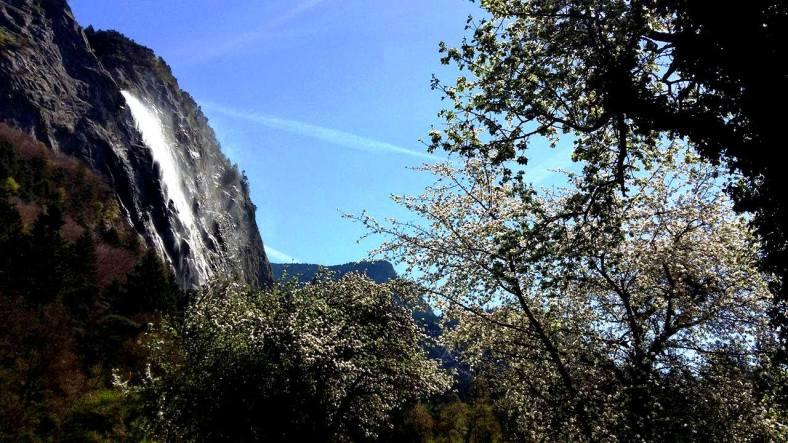 www.tripelonia.com - Arpenaz Waterfall (12)