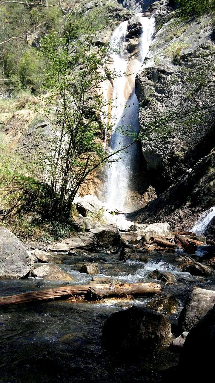www.tripelonia.com - Arpenaz Waterfall (2)