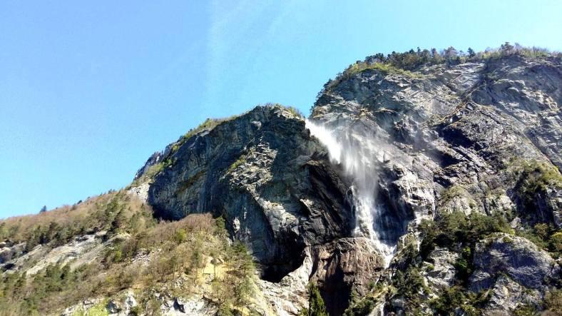www.tripelonia.com - Arpenaz Waterfall (5)
