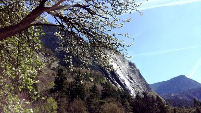 www.tripelonia.com - Arpenaz Waterfall (6)