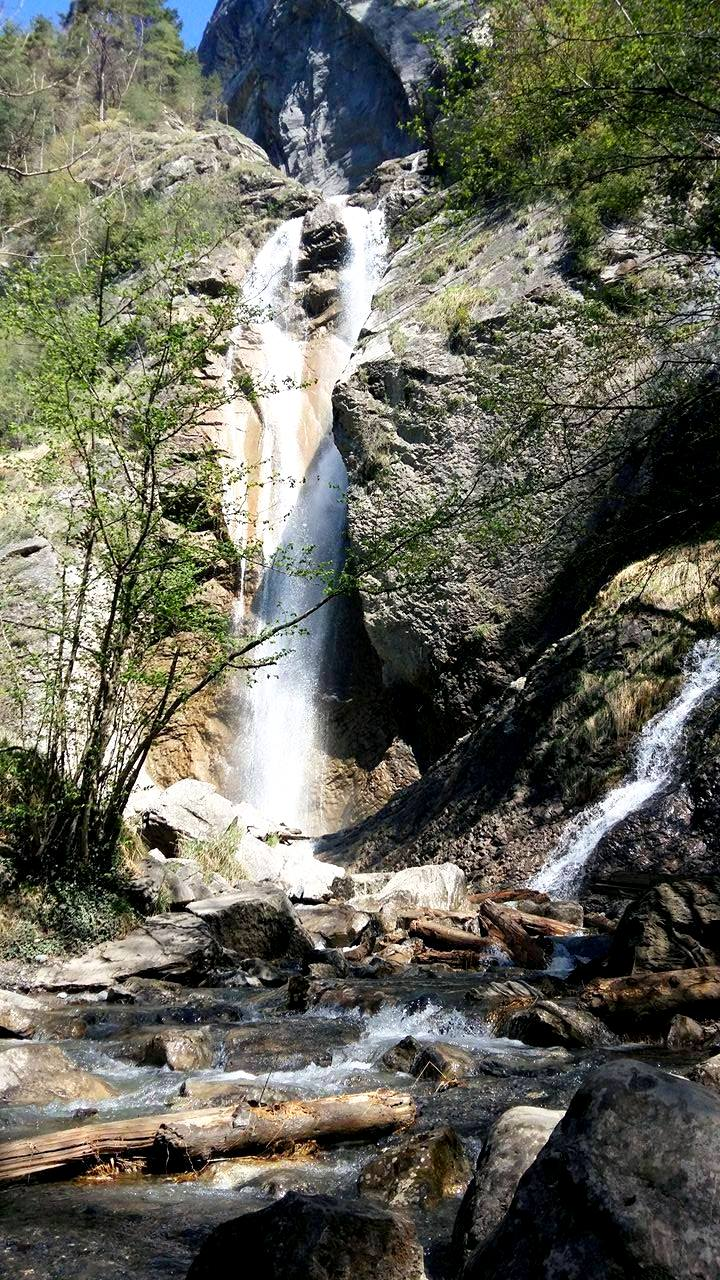 www.tripelonia.com - Arpenaz Waterfall (9)