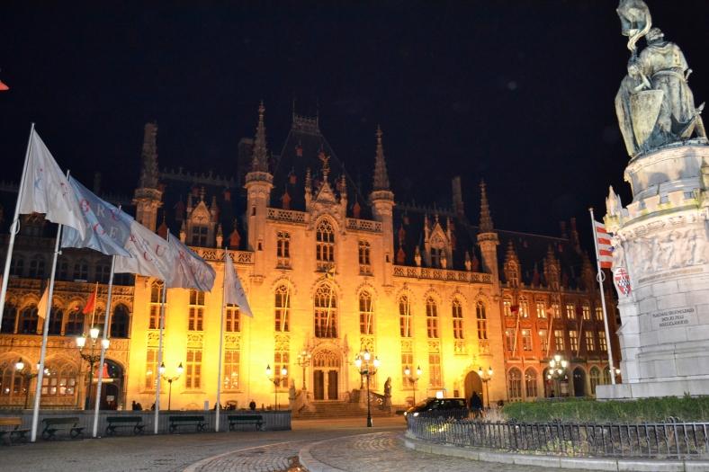 www.tripelonia.com - Bruges by night (12)