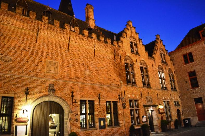 www.tripelonia.com - Bruges by night (23)