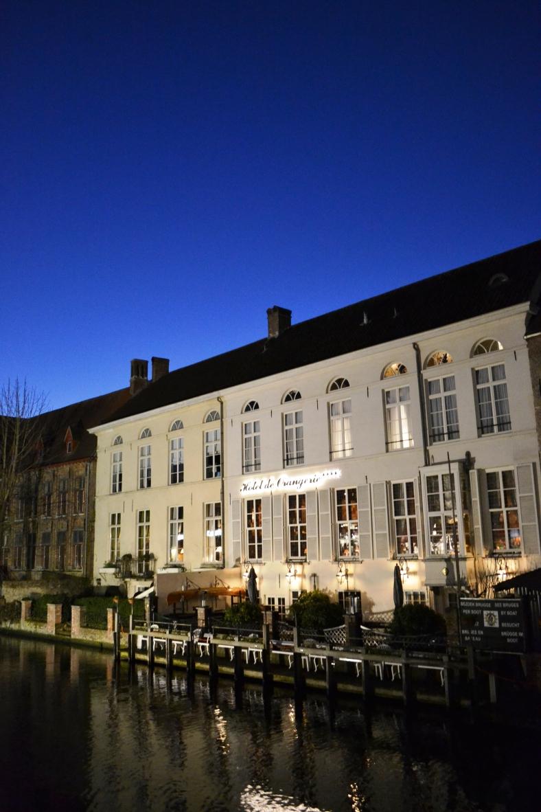 www.tripelonia.com - Bruges by night (3)
