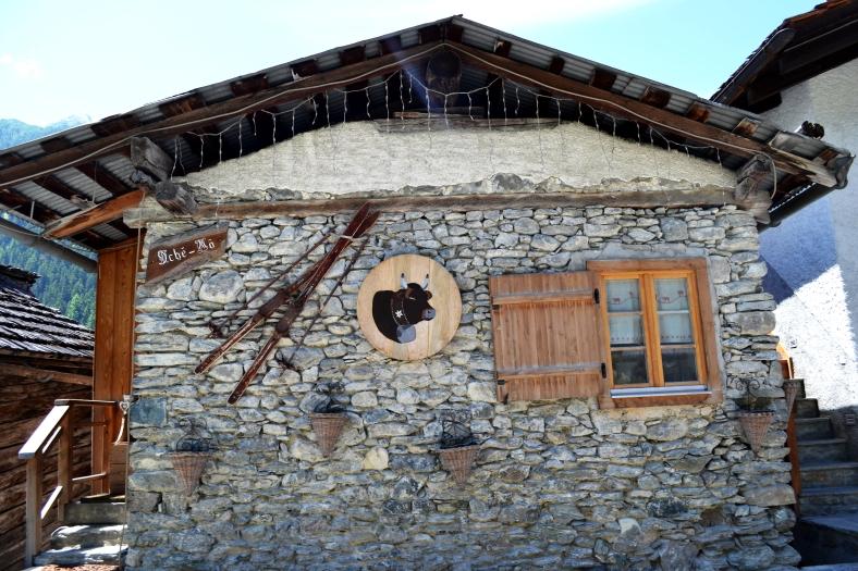 www.tripelonia.com - Ayer village (10)