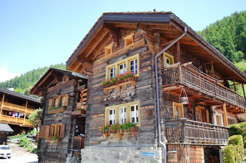www.tripelonia.com - Ayer village (15)