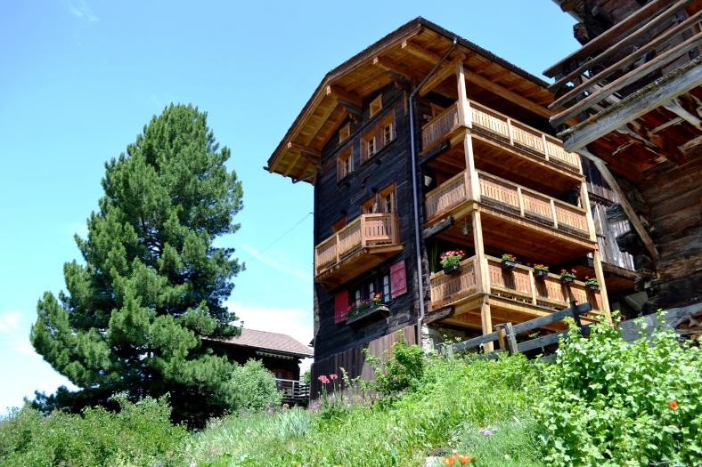 www.tripelonia.com - Ayer village (16)